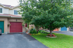 Queenswood Heights Townhouse for sale:  3 bedroom  (Listed 2014-07-08)
