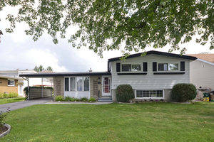 Queenswood Heights Split for sale:  4 bedroom  (Listed 2014-08-05)