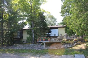 Whitestone Lake, Dunchurch Waterfront home / cottage for sale: Sandy shoreline, 4 Bedrooms