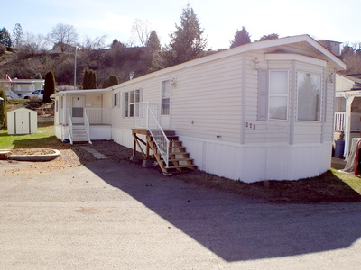 Lakeway Manufactured Home for sale at 218-15401 Kalamalka Lake Rd