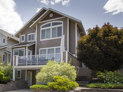 Okanagan Landing House for sale: The Lakeside Residence and Marina 3 bedroom 3,025 sq.ft. Vernon, BC Real Estate