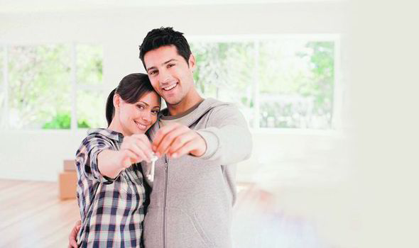 Couple-buying-a-house-565601.jpg