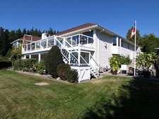 Gibsons House for sale:  5 bedroom  Stainless Steel Appliances, Hardwood Floors 2,767 sq.ft. (Listed 2013-01-30)