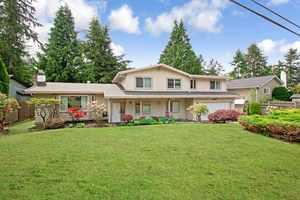 Sunshine Hills Woods House for sale:  6 bedroom 2,837 sq.ft. (Listed 2016-05-20)