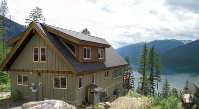Luxury 4 bedroom, 3 bath getaway for sale on the shores of pristine Slocan Lake near Silverton BC