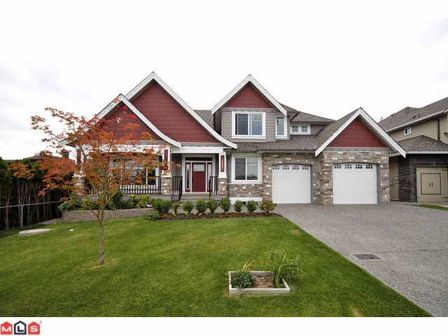 7031 197b cloverdale house for sale