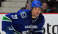 Manny Malhotra - Centre - Vancouver Canucks.jpg